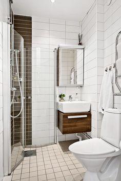 Elegante casa de banho com piso aquecido
