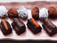 Grundrecept på praliner Homemade Sweets, Sushi, Sausage, Treats, Candy, Chocolate, Ethnic Recipes, Desserts, Food