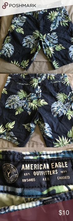 Men's American Eagle Outfitters shorts Men's American Eagle Outfitters Floral Shorts size 34 American Eagle Outfitters Shorts Flat Front