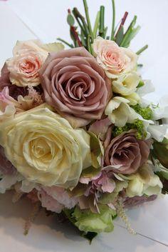 Dusky pink 'Amnesia' rose