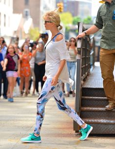 Pin for Later: Taylor Swift's Gym Look Came Right Out of the '80s, and It'll Never Go Out of Style
