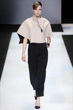 Sfilata Emporio Armani Milano - Collezioni Autunno Inverno 2016-17 - Vogue