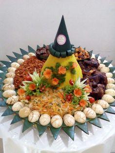 Muffin Tin Breakfast, Food Art Painting, Maher Zain, Food Carving, Brokat, Bento Box Lunch, Food Decoration, Fruit Art, Indonesian Food