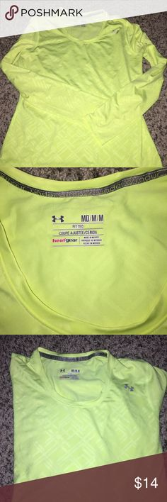 LONG SLEEVE FITTED HEAT GEAR UA SHIRT Perfect condition long sleeve UA SHIRT Under Armour Tops
