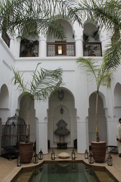 Marrakech riad with courtyard - outdoor living