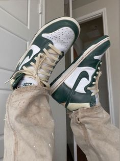 Dr Shoes, Swag Shoes, Hype Shoes, Me Too Shoes, Shoes Sneakers, Adidas Sneakers, Zapatillas Nike Jordan, Sneakers Fashion, Fashion Shoes