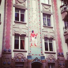 Ville pleines de surprises #Strasbourg #architecture #insolite (Postée par @cuisineaddict)