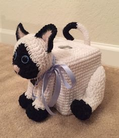 Crocheted cat tissue box cover