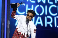 August Alsina performs at 2014 BET Awards in Roper Summer 2014 Collection