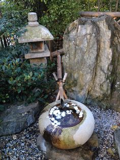Japanese tea house in the heart of Monaco - La Muse Blue Zen Garden Design, Japanese Garden Design, Chinese Garden, Landscape Design, Japanese Tea House, Japanese Water, Water Features, Garden Features, Japanese Landscape