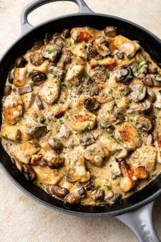 chicken stroganoff in a gray le creuset skillet Chicken And Mushroom Stroganoff Recipe, Easy Ground Beef Stroganoff, Chicken Mushroom Stew Recipe, Le Creuset, Dutch Oven Recipes, Cooking Recipes, Skillet Recipes, Grilling Recipes, Cooking Ideas