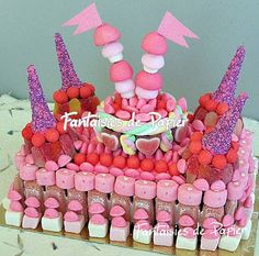 Gâteau chateau de princesse Sweetie Cake, Candy Cakes, Macaron, Cupcake Cookies, I Card, Buffet, Sweets, Baby Shower, Birthday Cakes