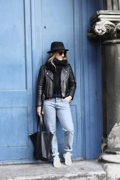 favorite three | 2015 by Mirjam from www.jeneregretterien.ch Levis CT jeans | & Other Stories shopper | & Other Stories knit | H&M fedora | Celine Pretty sunnies | Acne Studios Canada scarf | Adidas Stan Smith
