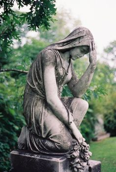 Dating a grieving woman white statue