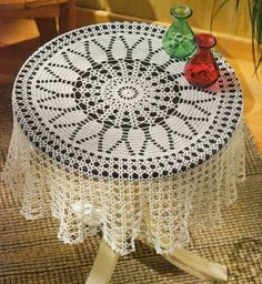 Crochet doily - crochet doilies - Crochet tablecloth - Home decor - White crochet doilies - Handmade tablecloth by DoiliesbyElena on Etsy Crochet Tablecloth Pattern, Crochet Bedspread, Crochet Doily Patterns, Crochet Art, Crochet Round, Thread Crochet, Filet Crochet, Easy Crochet, Mantel Redondo A Crochet