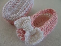 Ravelry: AnaBC's Baby Bow shoes