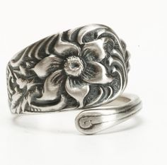 Wild Flower Ring, Antique Spoon Ring Sterling Silver Gift, Petite Floral Ring, Adjustable Ring Size, Pinky Ring, Silver Flower Ring (5976) by Spoonier on Etsy