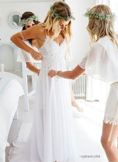 Delicate Boho Spaghetti Straps Lace Applique Conversable Chiffon Beach Wedding Dress