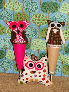 Oliver Whoo  -  A pop-up cone puppet.  via Etsy.