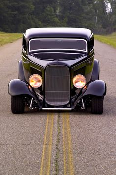 32´ Ford V8 Tudor; Johnson's Hot Rod Shop Welcome to AMERICA BITCHES!! …
