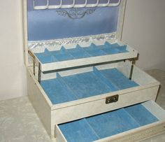 Image detail for -Vintage Mele Jewelry Box White and Blue by retroology on Etsy