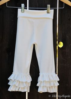 ruffle leggings with yoga waistband.  tutorial and size 3/4t pattern.