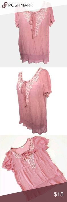 Claudia Richards Women's L Pink Blouse Top Claudia Richards Blouse top  Condition:pre-owned Size:Large Color:Light pink Product detail:  Good condition- Some wash wear & fading Scoop neckline with decorative tie Sewn in crochet frontal design light elastic on sleeves and hem lightly sheer Some fraying on front tie Claudia Richards Tops Blouses