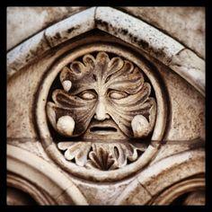 #Detalles de la #Catedral de #Burgos #Sol #Triste #DePaseo #CallesDeBurgos #PorMiBarrio #VistoEnLaCalle…