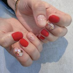 What Christmas manicure to choose for a festive mood - My Nails Minimalist Nails, Love Nails, Pretty Nails, American Nails, Korean Nails, Nagel Gel, Prom Nails, Halloween Nails, Nails Inspiration