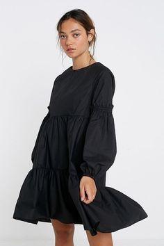 UO Poplin Smock Mini Dress - black XS at Urban Outfitters Simple Dresses, Day Dresses, Casual Dresses, Poplin Dress, Jumpsuit Dress, Hijab Fashion, Girl Fashion, Fashion Outfits, Outfits