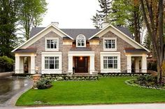 Beautiful exterior by PCM Project & Construction Management luxury custom built homes in Oakville and Mississauga