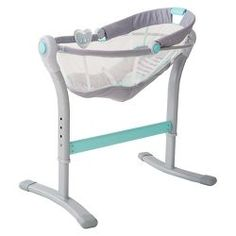 Bedside Baby/Infant Sleeper Bassinet SwaddleMe By Your Bed Inclined Adjustable Baby Bedside Sleeper, Baby Co Sleeper, Bedside Crib, Baby Bassinet, Baby Cribs, Baby Sleepers, Küchen Design, Summer Baby, Baby Essentials