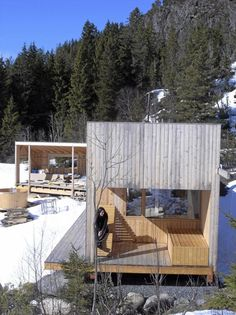 Cottage in Norway (arch itectFredrik Lund) Concrete Architecture, Unique Architecture, Norwegian House, Tiny Spaces, Modular Homes, Cabins In The Woods, Architect Design, Hygge, Cottage