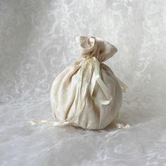 Cream white damascus floral pattern pompadour purse evening handbag wristlet drawstring reticule by AlicesLittleRabbit on Etsy Pompadour, Handmade Home Decor, Cream White, Delicate, Purses, Damascus, Chen, Floral, Pattern