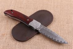 VG10 Damascus Steel Outdoor Folding Knife Wood Handle EDC Survival Pocket Knife Hunting Rescue Knives Camping EDC Tools
