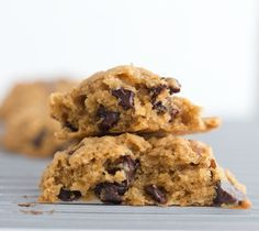 Vegan Mint Chocolate Chip Oat Cookies