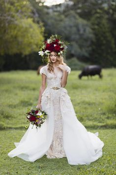 Dramatic Glam Bridal Style Ideas With Red Roses