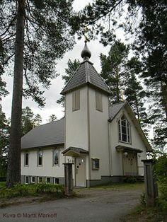 Suonenjoen Kristuksen kirkastumiselle pyhitetty kirkko.(Kuva © Martti Markoff)