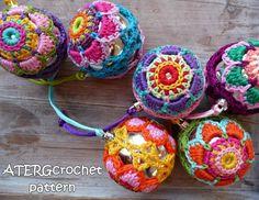 Crochet pattern Christmasball flower by by ATERGcrochet on Etsy, €2.75