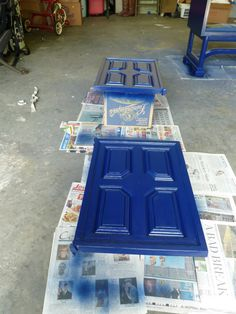 How to Spray Paint Furniture -- prep, paint, seal!