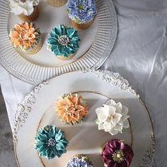 ㅡ 컬러들. 사랑스러운. B course #compositebouquet #flower #cake #flowercake #partycake #birthday #weddingcake #cupcake #buttercreamcake #buttercream #designcake #soocake #플라워케익 #수케이크 #꽃스타그램 #컵케익 #컵케이크 #플라워컵케익 #버터크림플라워케이크 #베이킹클래스 #플라워케익클래스 #웨딩케이크 #생일케익 #크리스마스로즈 #스카비오사 #치자꽃 #양귀비 #花 #蛋糕 #花蛋糕 www.soocake.com vkscl_energy@naver.com