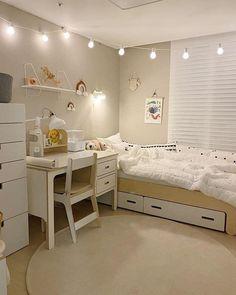 Room Design Bedroom, Small Room Bedroom, Room Ideas Bedroom, Home Room Design, Bedroom Decor, Korean Bedroom Ideas, Study Room Decor, Small Room Design, Minimalist Room