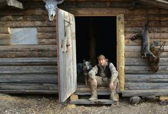 Duane Richardson's Trappers Cabin Wilderness Survival, Survival Prepping, Survival Gear, Survival Skills, Old Cabins, Cabins In The Woods, Wild North, Shed Cabin, Small Log Cabin