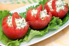 Корзинки из помидор с сырной начинкой