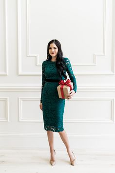 Lace dress in emerald green Green Lace Dresses, Modest Dresses, Modest Outfits, Long Dress Fashion, Modest Fashion, Fashion Dresses, Women's Fashion, Christmas Outfit Women Dressy, Holiday Fashion