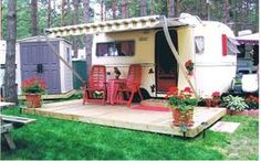 Sweet 17ft boler....love the porch & landscaping around this lil guy;-)