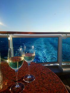 Outro dia fiz um post falando sobre cruzeiros e se vale a pena fazer, nesse post eu falei sobre o funcionamento como por exemplo, embarque, os horários, documentação etc… White Wine, Tourism, Alcoholic Drinks, Glass, Holiday, Costa, Vacations, Travelling, Wanderlust