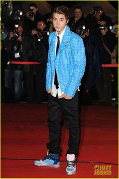 Top 15 Justin Bieber Outfits - Likes