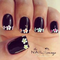 60 einfache süße Nägel Schellack Desgin sollte jedes Mädchen versuchen # 37 If you've been reading about manicures, you may be asking yourself what is shellac manicure. A manicure with shellac nail polish is a revolutionary new type of polish that lasts t Daisy Nail Art, Daisy Nails, Floral Nail Art, Flower Nails, Cute Nails, Pretty Nails, My Nails, Cute Nail Designs, Pedicure Designs