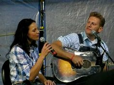 Joey + Rory perform Young Love - YouTube